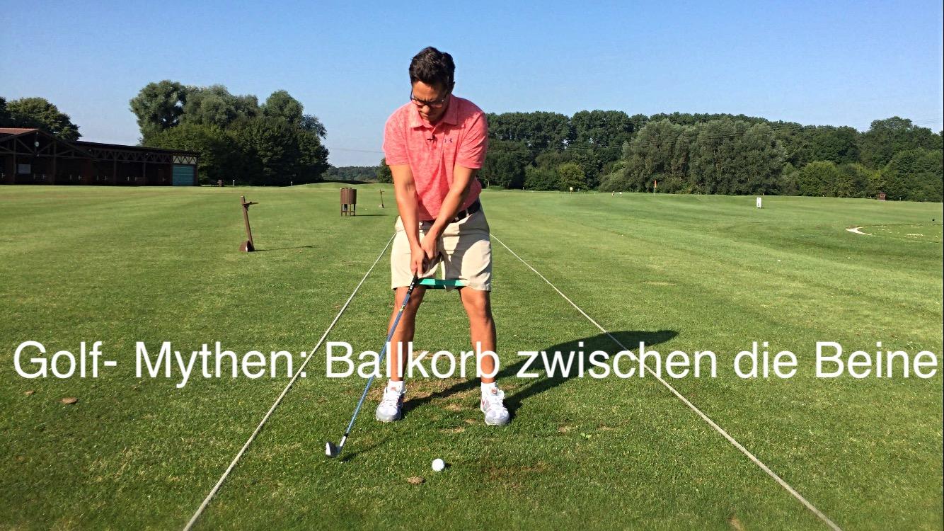 Golf Mythen: Ballkorb zwischen die Beine